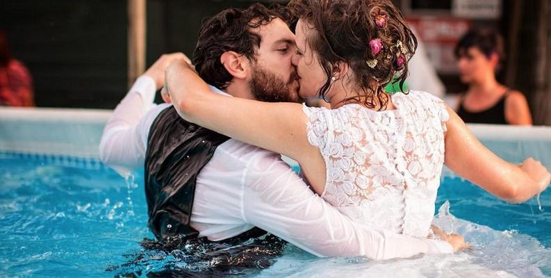 Amor en la piscina