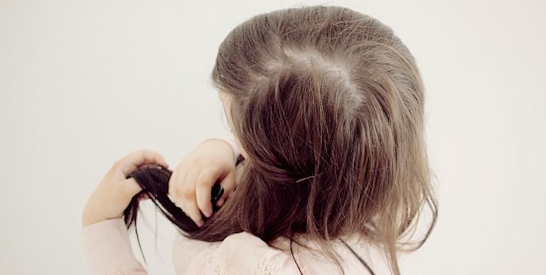Que curar los cabellos que caen fuerte