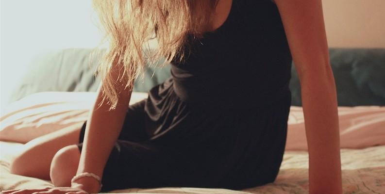 Mujer en la cama