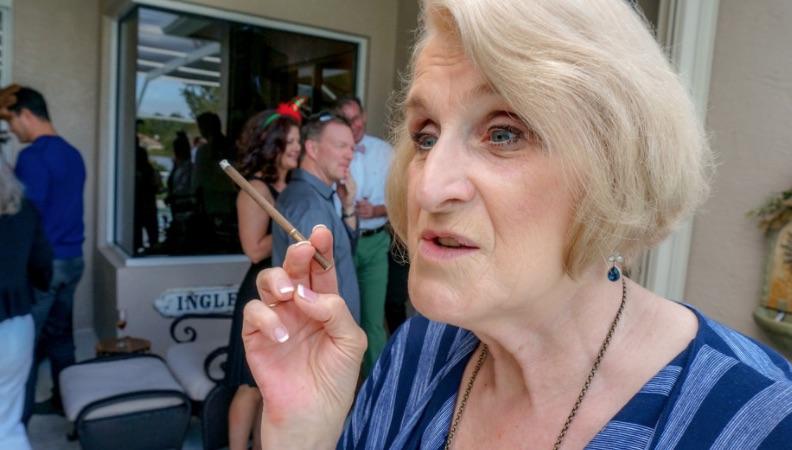 baise la vieille vieille femme de menage salope